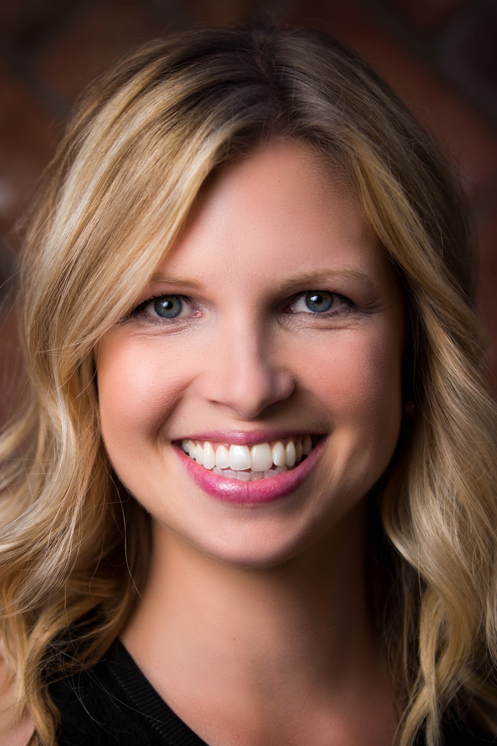 Anna Joined Salon Bellissima After Graduating From The Renowned Gene Juarez Academy In Seattle 2009 Earning A BA Communications Western