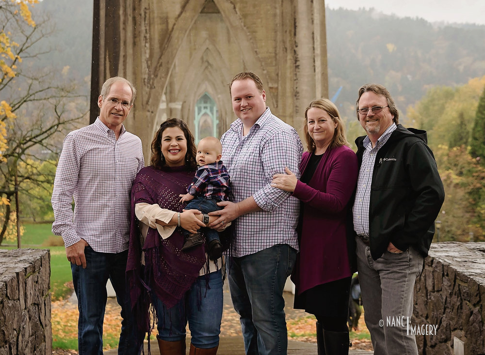 Rainy Cathedral Park Family Session