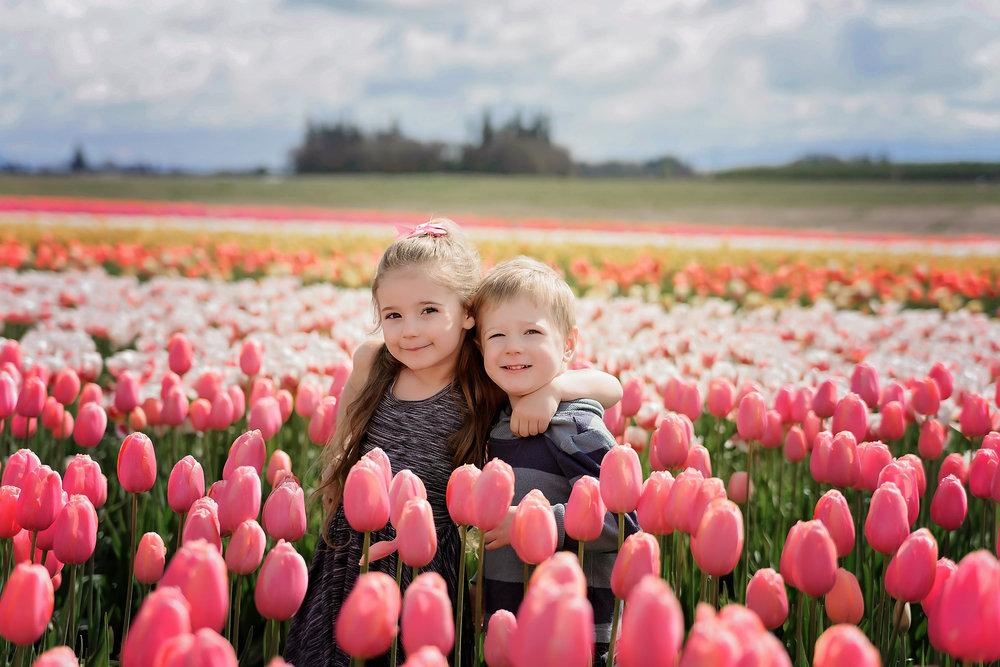 Wooden Shoe Tulip Festival: http://www.woodenshoe.com/events/tulip-fest/