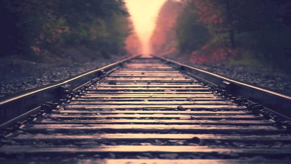 train_tracks-wksm2.jpg