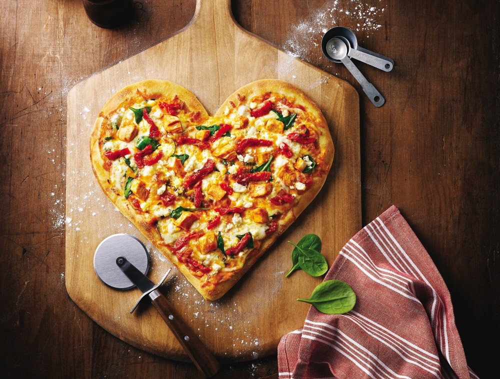 heart_shaped_tuscan_pizza_insitu_m.jpg