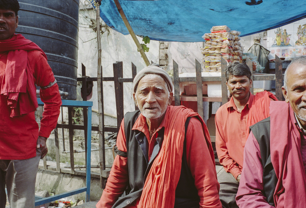 71-F0_Porters in Red by Train Station, Haridwar, India 2016-42.jpg