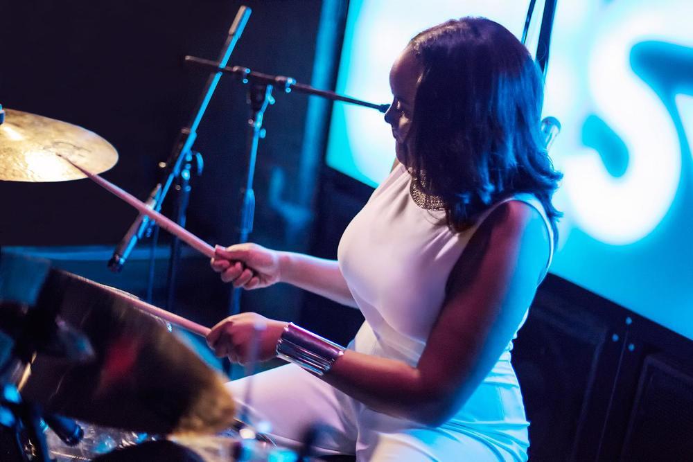Glorious, Livetronica Drummer Pop-R&B Singer, Live at Sullivan Room, New York City 19.jpg