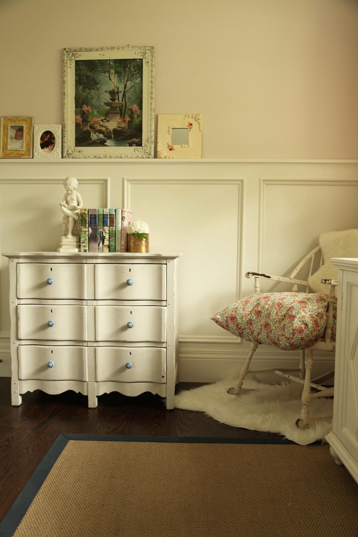 caro dresser chair.jpg