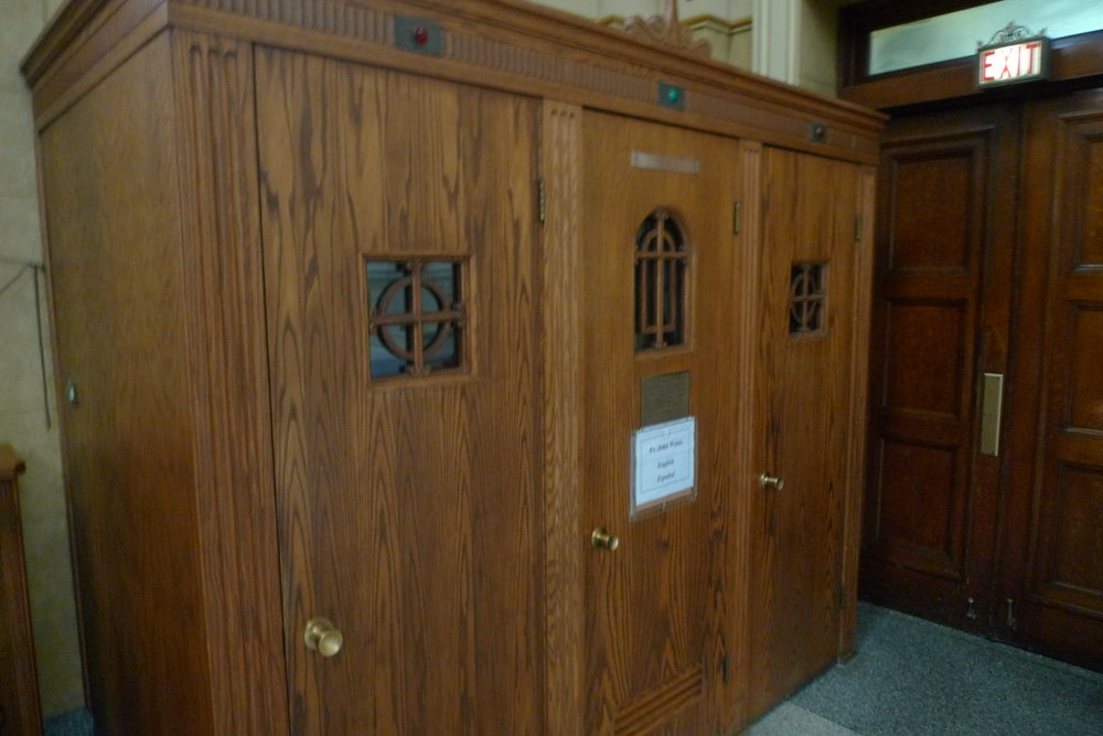 confessional_name_plate(eng_spanish).JPG