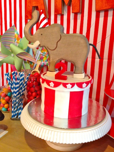 The wooden elephant brought from home was one of our birthday presents for Amelia. The fondant cake was made by Jenny's Specialty Cakes in Quezon City. She made it exactly like the image I showed her!