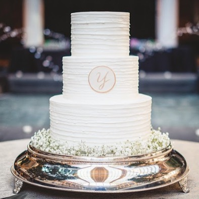 We have to brag on Haines with @forgoodnesscakescharlotte. Her work is beautiful and her cakes are so tasty! Whatever your cake needs, check out her IG Page to see her work!  Photo cred: @rob_plus_kristen  Planning & Design: @bestdayeverstudios  Venue & Catering: @ariatuscangrill  Floral Design: @thebloom_room  Rentals: @partyreflections  Band: @java_band  Hair & Makeup: @calistott_artistry  Rehearsal Venue: @fftcarolinas  Rehearsal Catering: @somethingclassiccharlotte  #bestdayever #charlotteweddingplanner #charlotteweddings #charlottewedding #ncweddings #carolinabride #weddingplanner #ncweddingplanner #charlotteweddingvenue #weddinginspiration #weddingdesign #southernweddingplanner #southernbride #ncwedding #carolinawedding #eventplanner #northcarolinabride #weddingcrushwednesday #weddingcakes