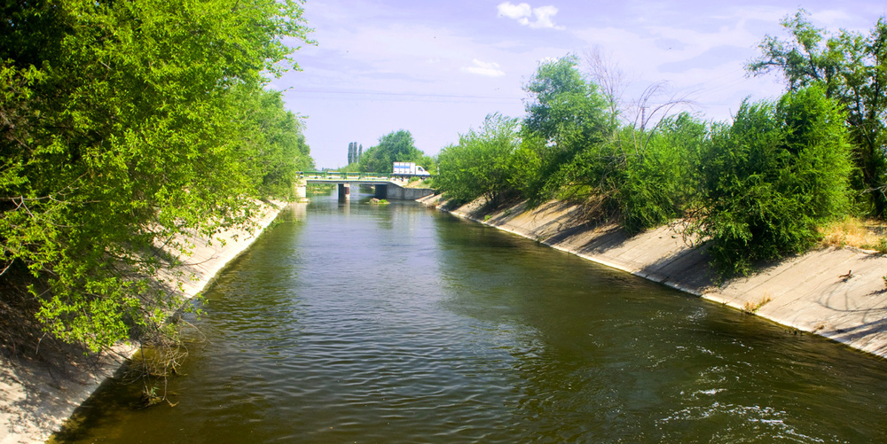 IrrigationCanal.jpg