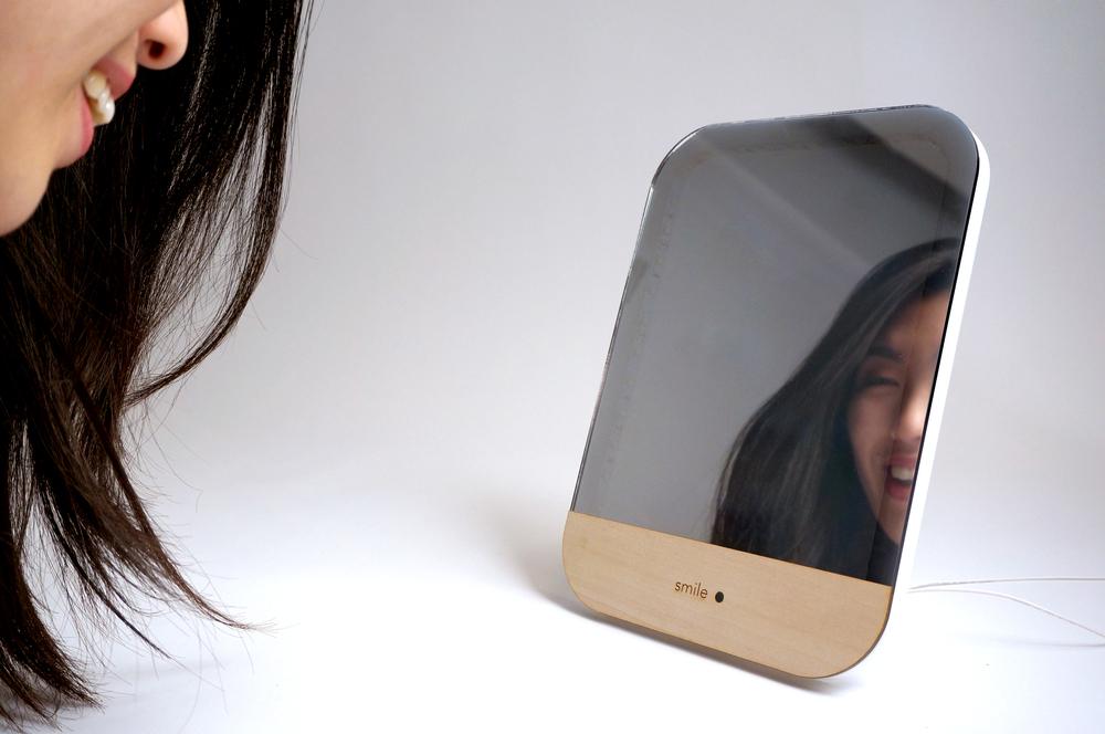 smile-mirror_2.jpg