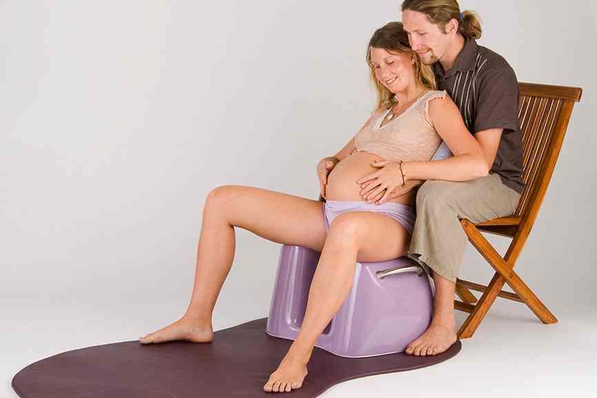 Birth stool