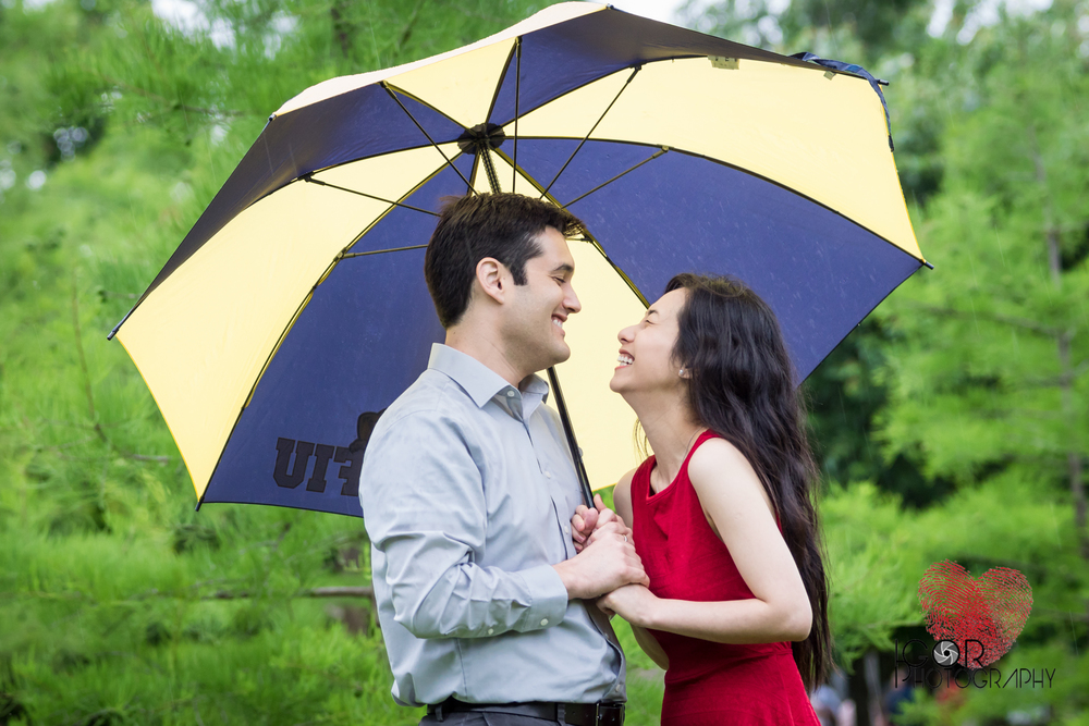 Rainy engagement pictures