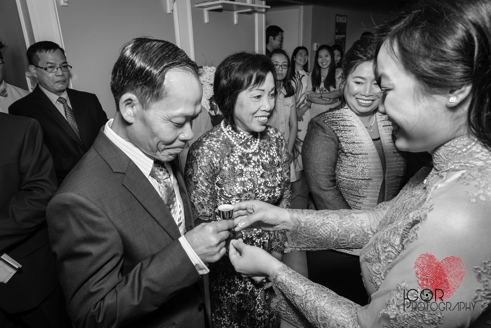 Tommy-linh-engagement-ceremony-9.jpg