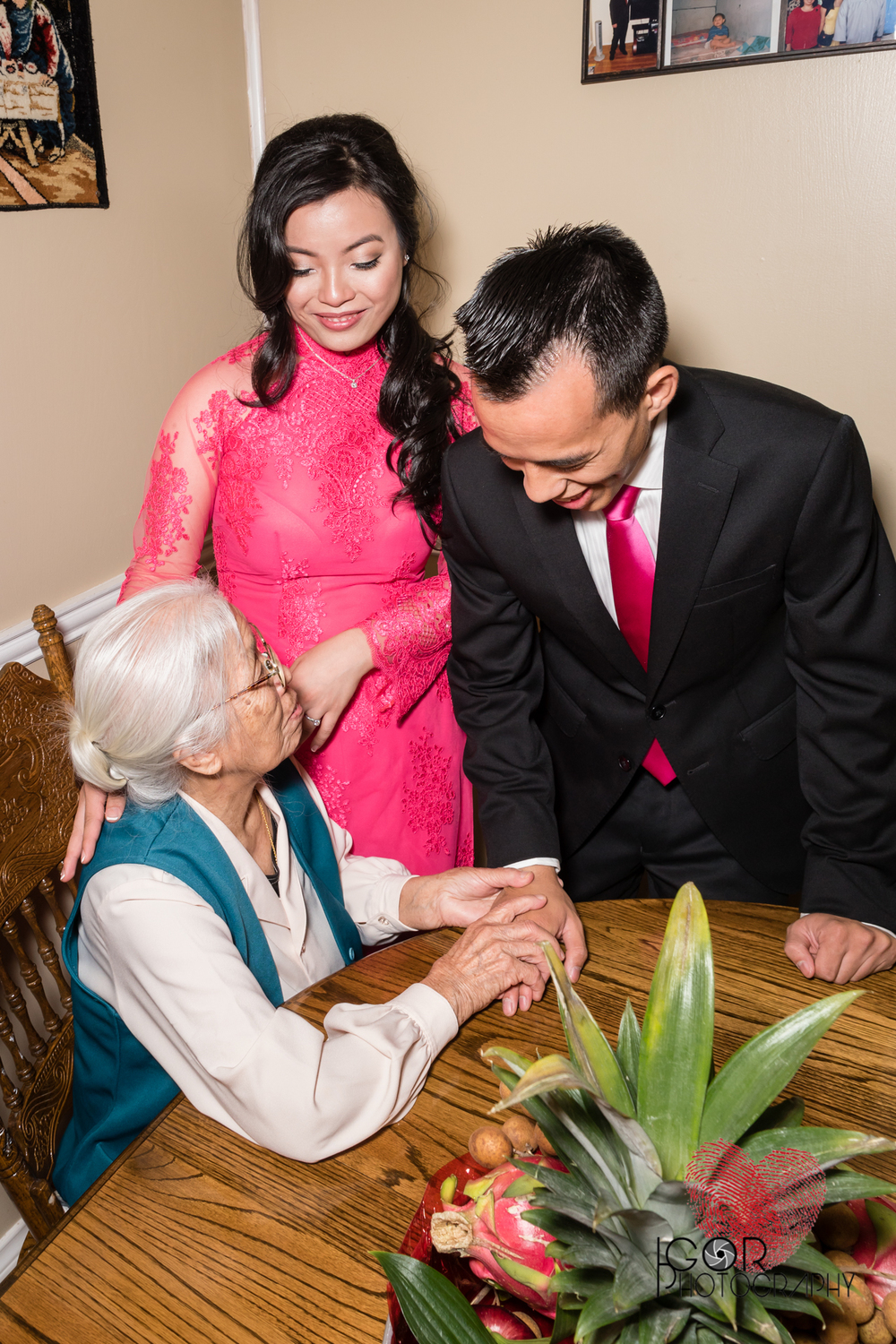 Tommy-linh-engagement-ceremony-14.jpg
