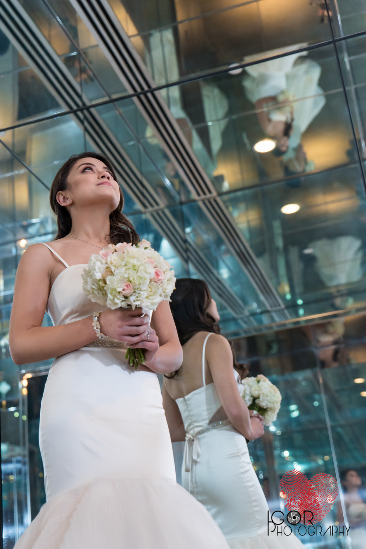 Elevator bride pic