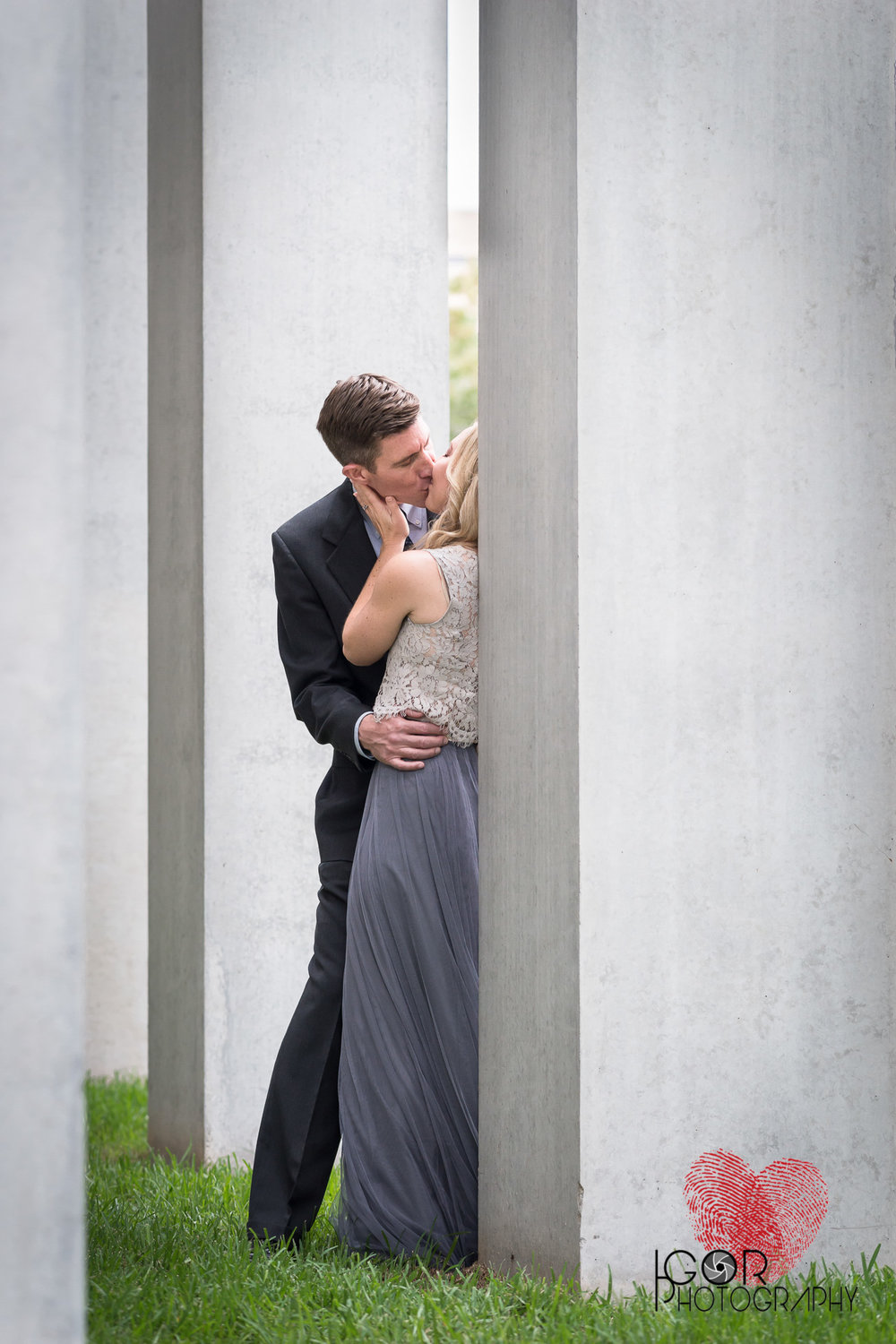 Modern engagement pictures