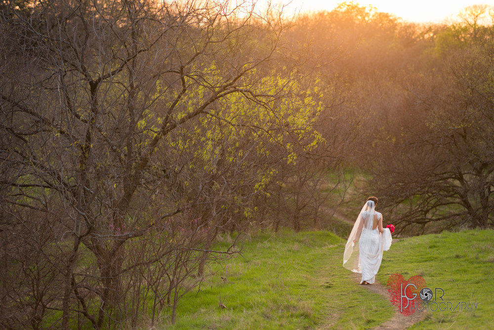 Nature bridal photography
