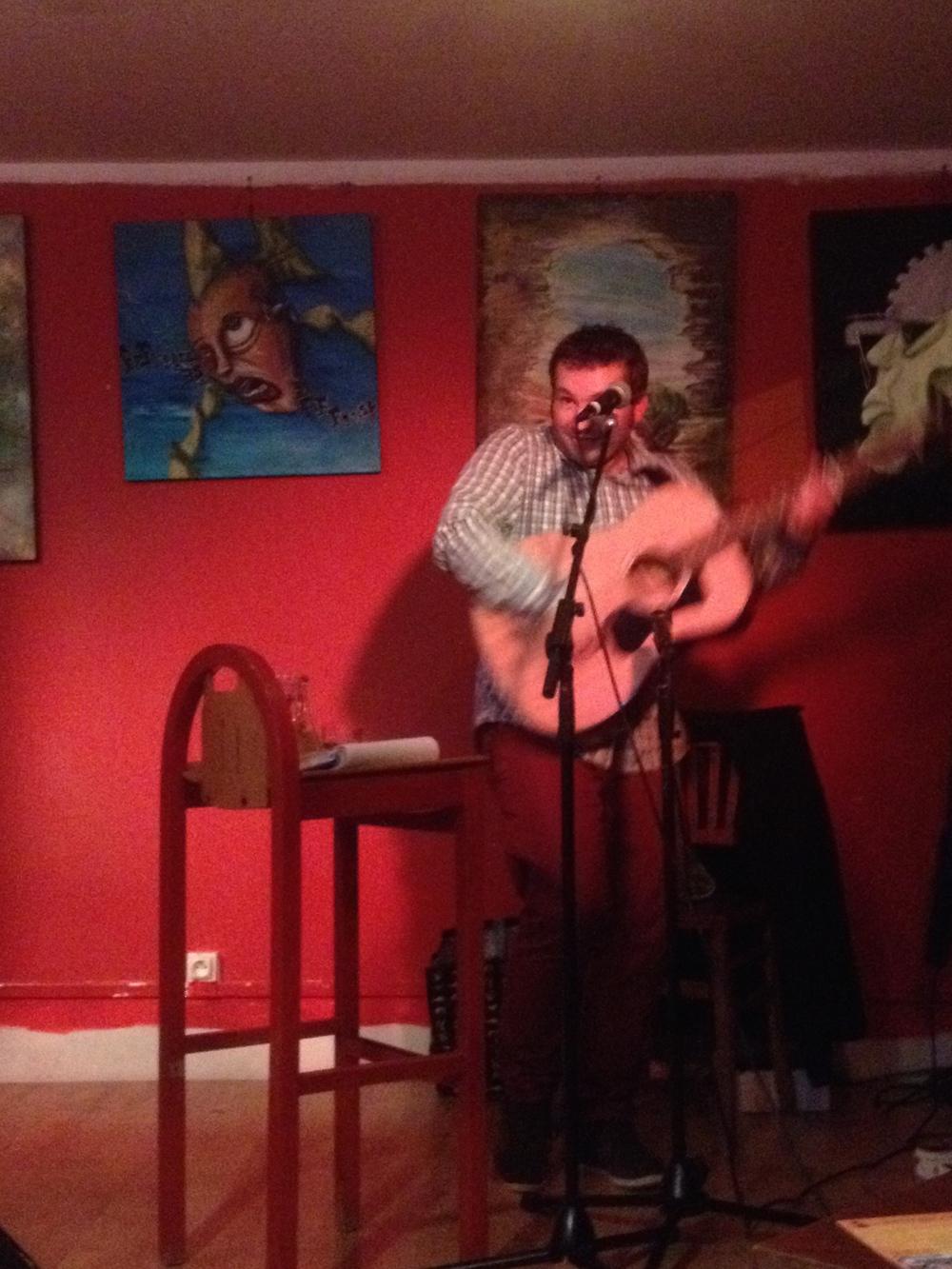 Adam Baker En Live