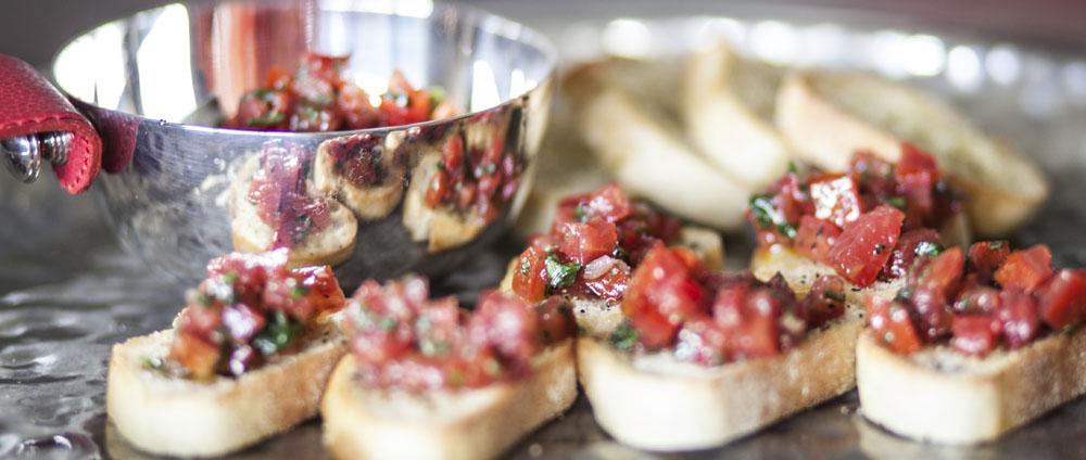 Effortless Entertaining: Tomato Bruchetta