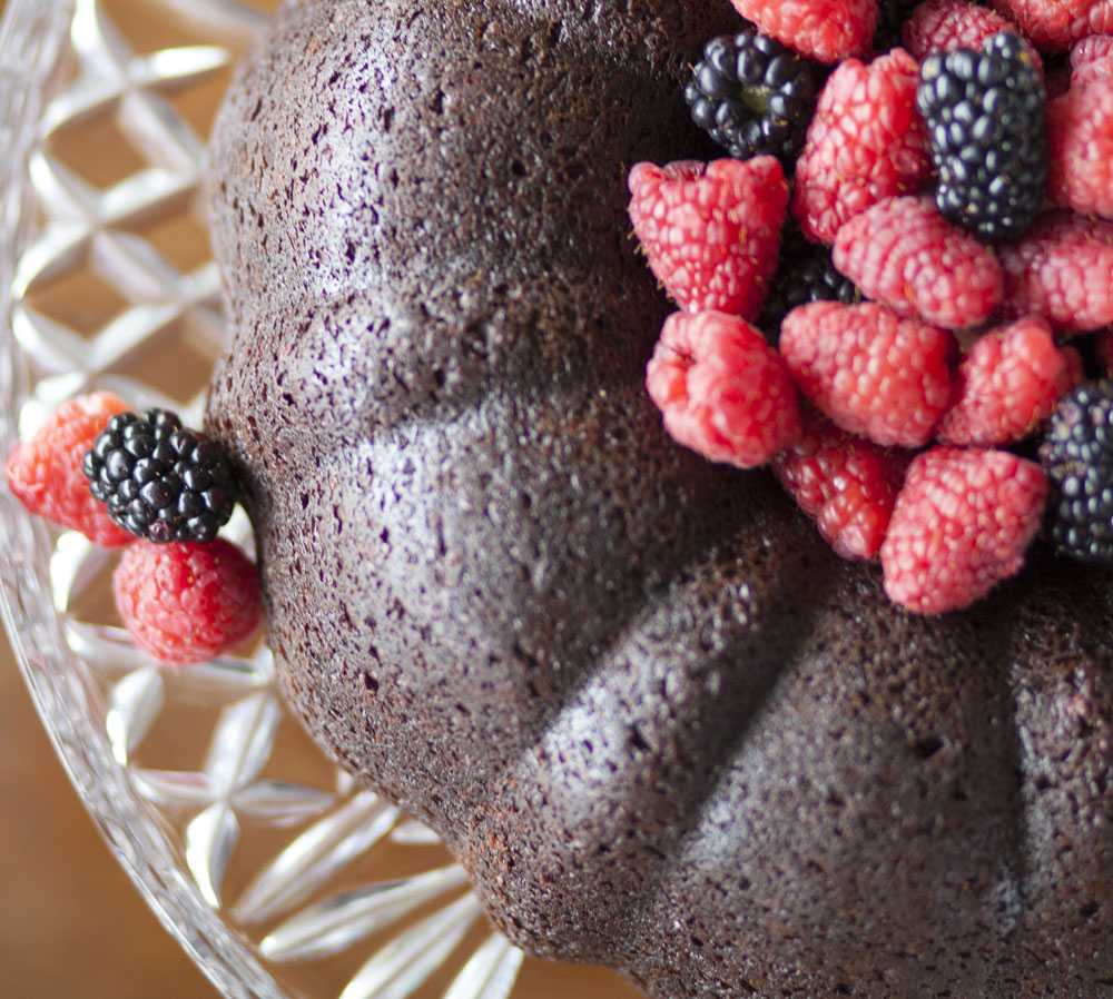 Effortless Entertaining: Chocolate Bundt Cake
