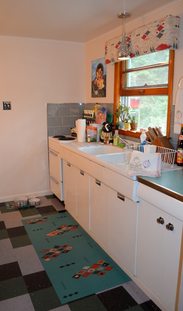 A custom size and design for a 1950's Retro kitchen