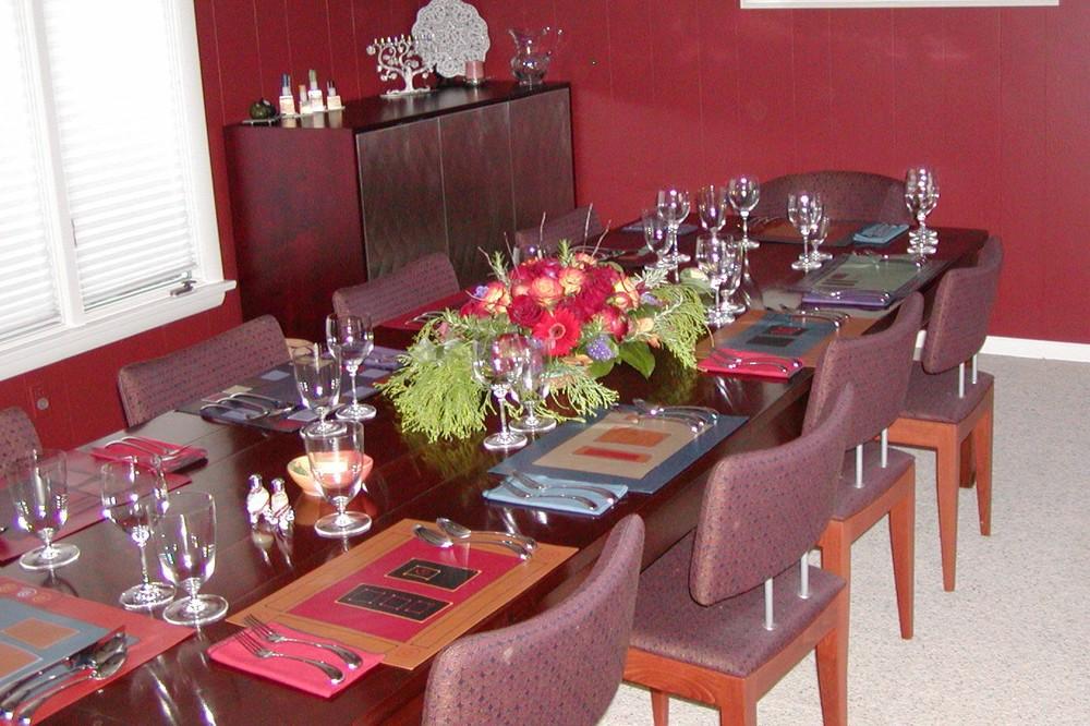 DiningTable21.jpg