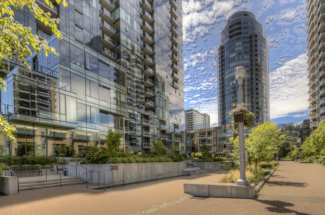 Atwater Courtyard 724x480.jpg