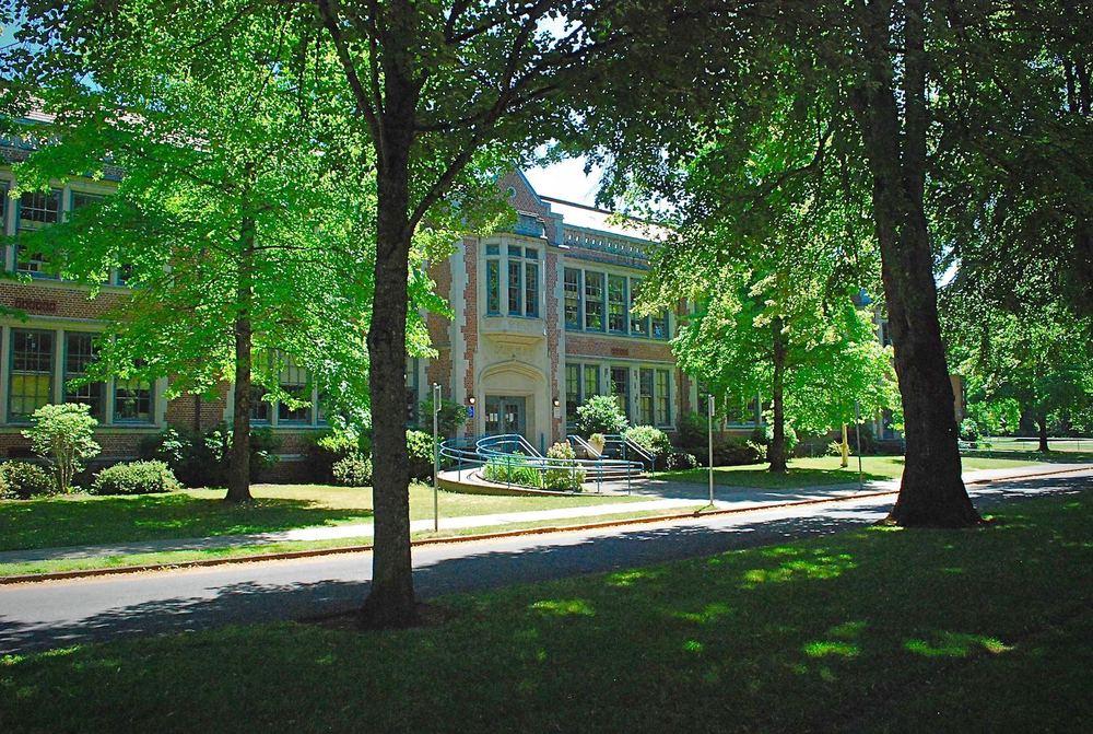 Duniway School Eastmoreland Lo Res.jpg
