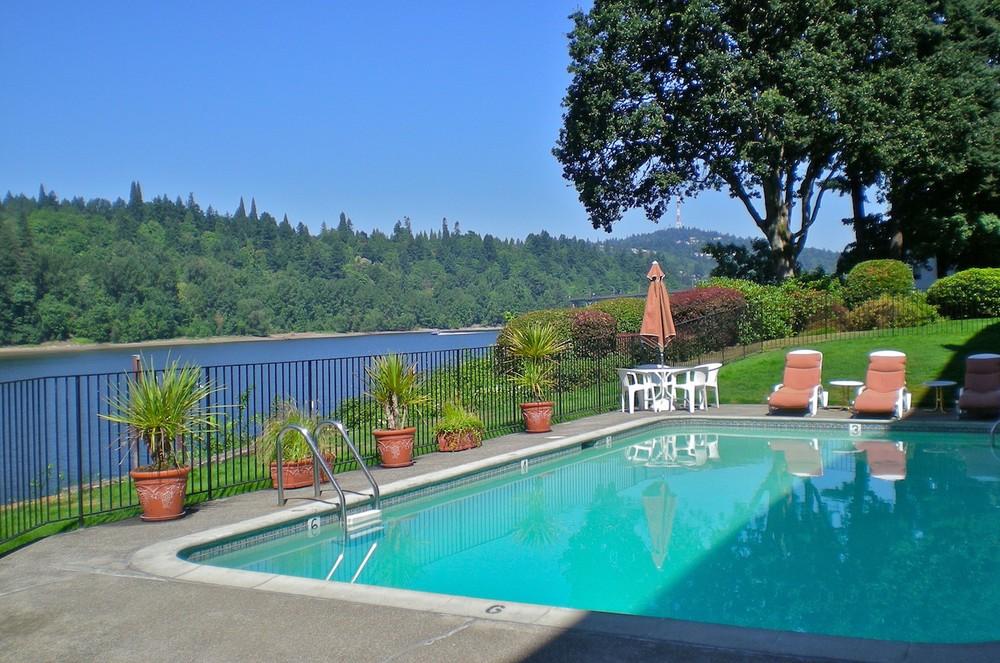 Quayside Pool 724x480 Lo Res.jpg