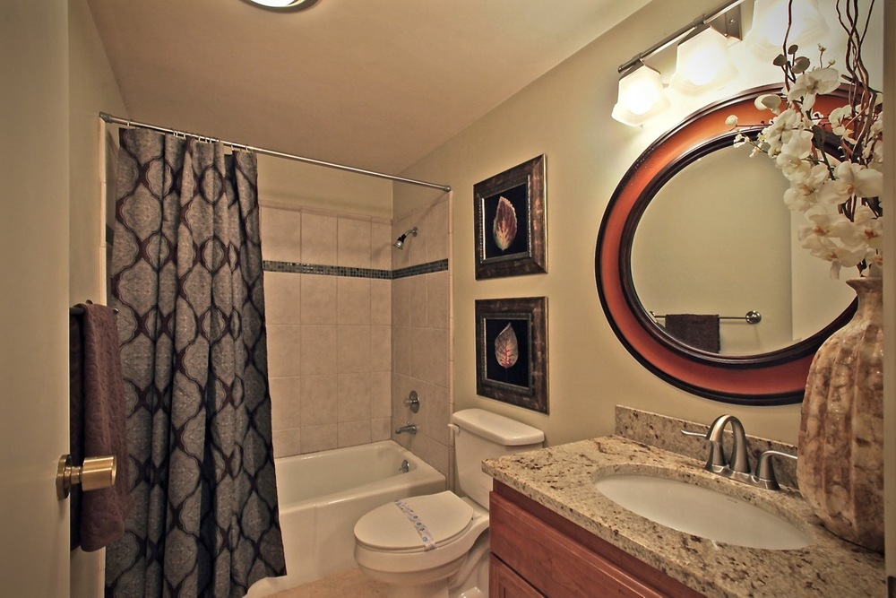 790 SE Webber 105 Bathroom.jpg