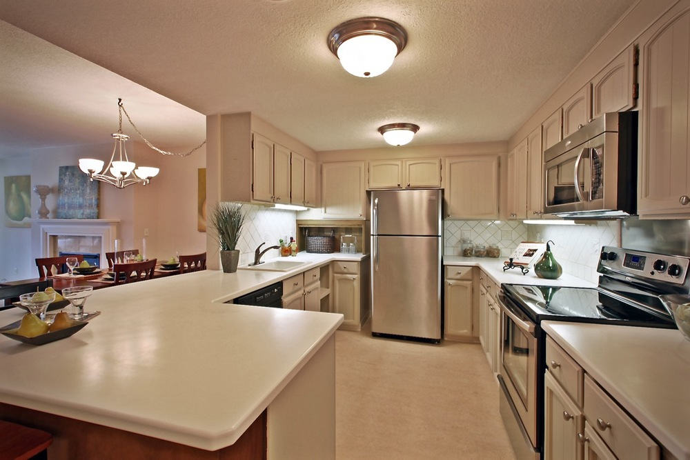 790 SE Webber 105 Kitchen.jpg