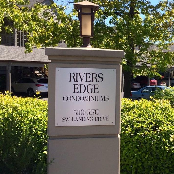 RIVERS EDGE - Johns Landing