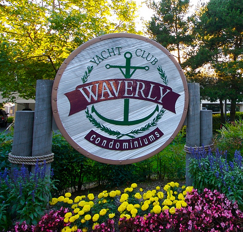 Waverly Yacht Club sign