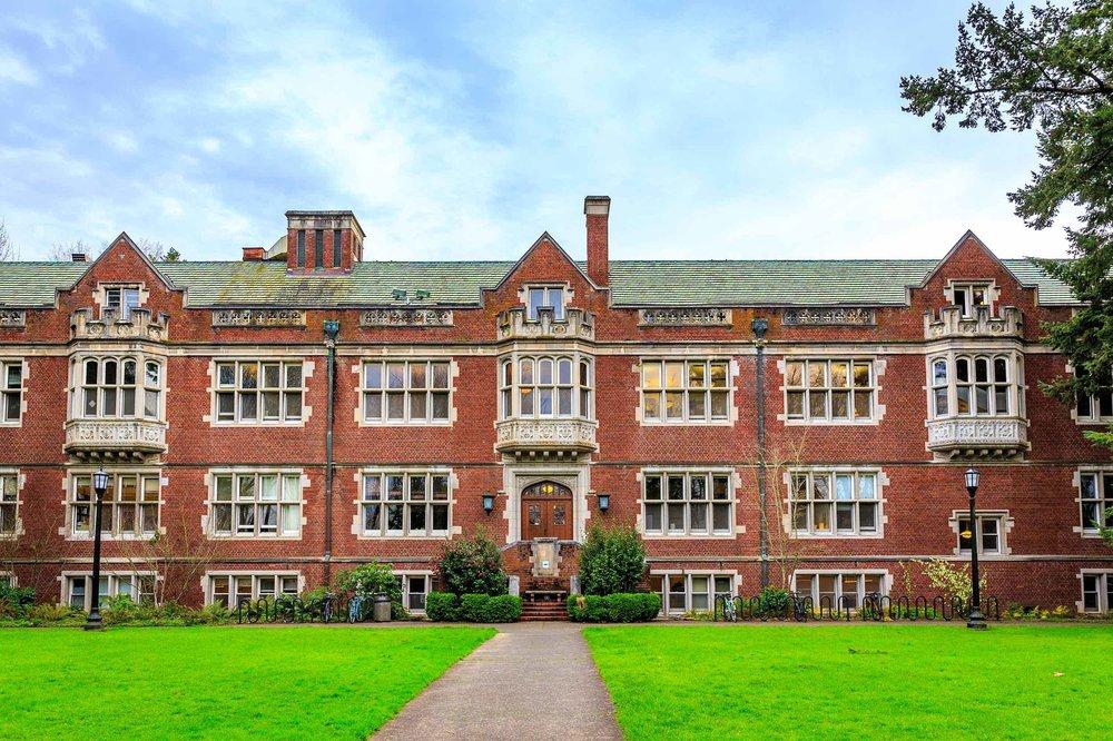Top-rated Reed College in Eastmoreland is a next door neighborhood of Sellwood-Moreland.
