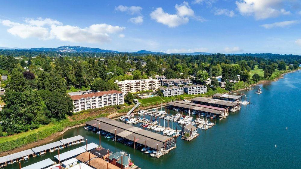 Waverly Marina along the Willamette river