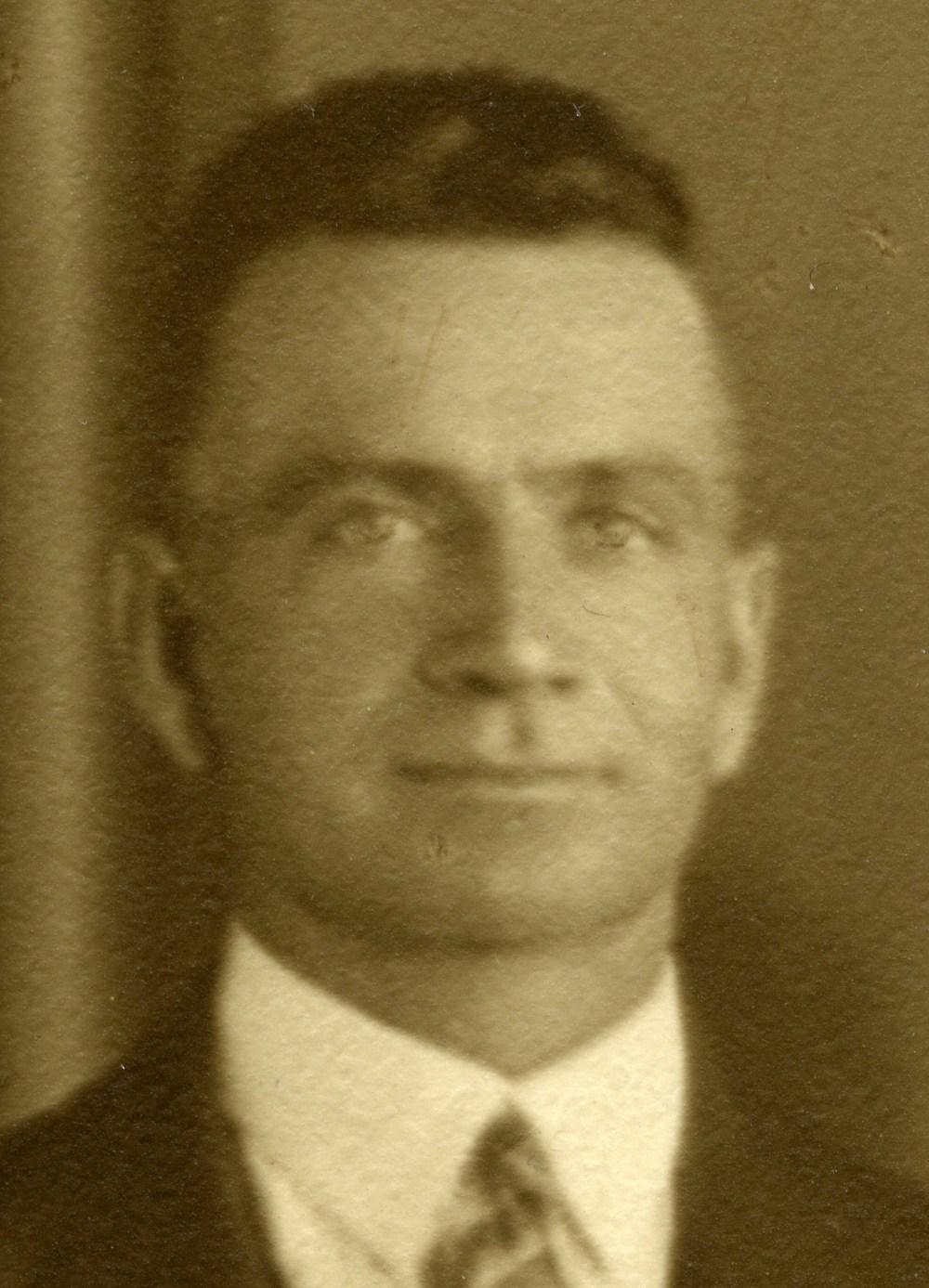 35 Ernest Quinnell.jpg