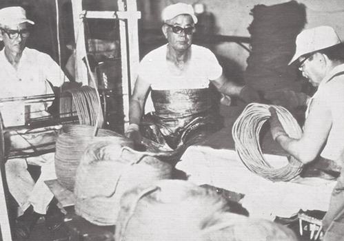 (Izq.-der.) Koshun Nakasone e Ishikawa. Flota Cubana de Pesca