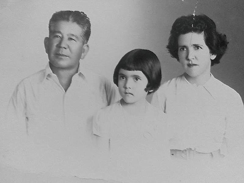 """Kyukichi """"Nisan"""" Ishikawa con su familia."""