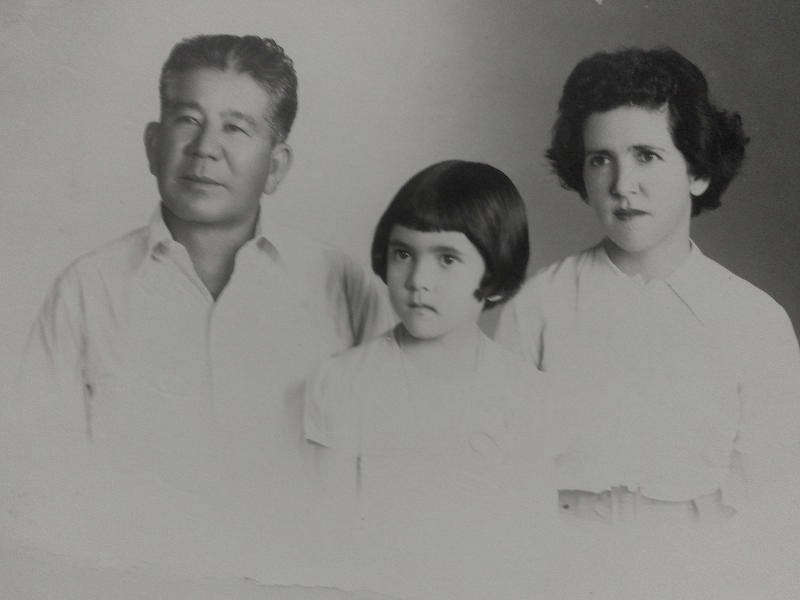 Kyukichi Ishikawa y su familia.