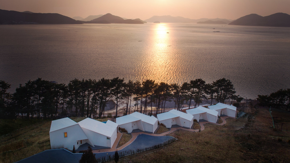 MH_CI_1401_final_sunset.jpg
