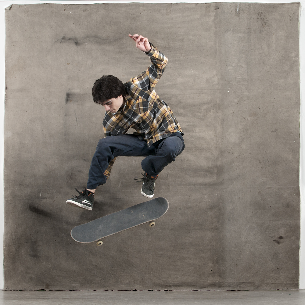 Here's an outtake of Matt Patafie doing a flatground kickflip.I shot this during a studio shoot for my school's (SPAO) yearly magazine. This years theme is Threeness, so I decided to shoot a 360 flip. Im not as hyped on the tre flip as I am on the kickflip, but I'll post that up anyways. Take a look.