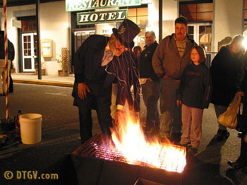 Cecil roasting chestnuts is an annual Grass Valley Cornish Christmas event.