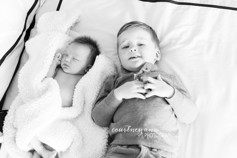 fairfield_county_family_newborn_baby_brother_sister