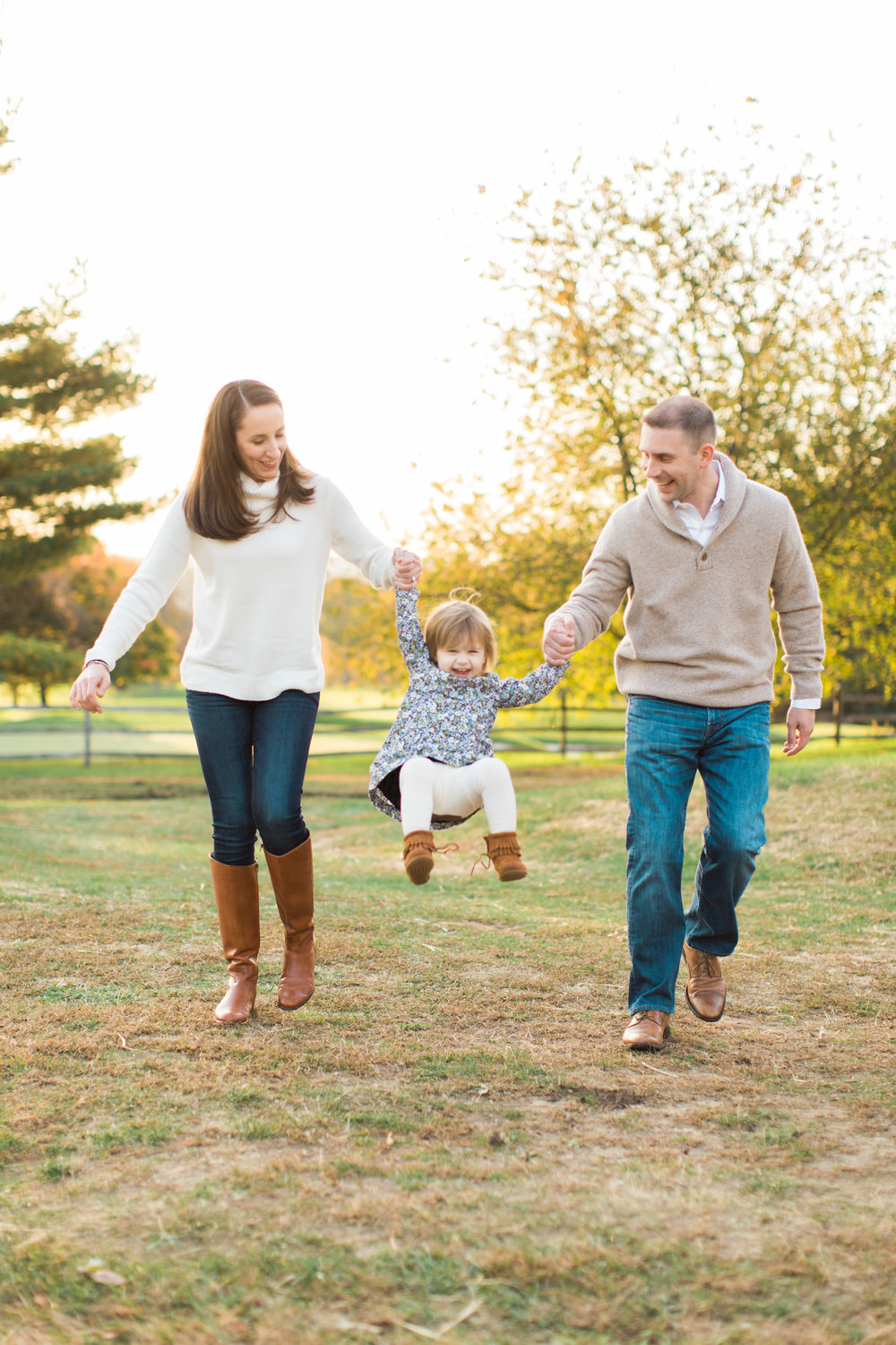fairfield-county-wilton-connecticut-fall-family-mini-session-lifestyle-courtney-ann-photography