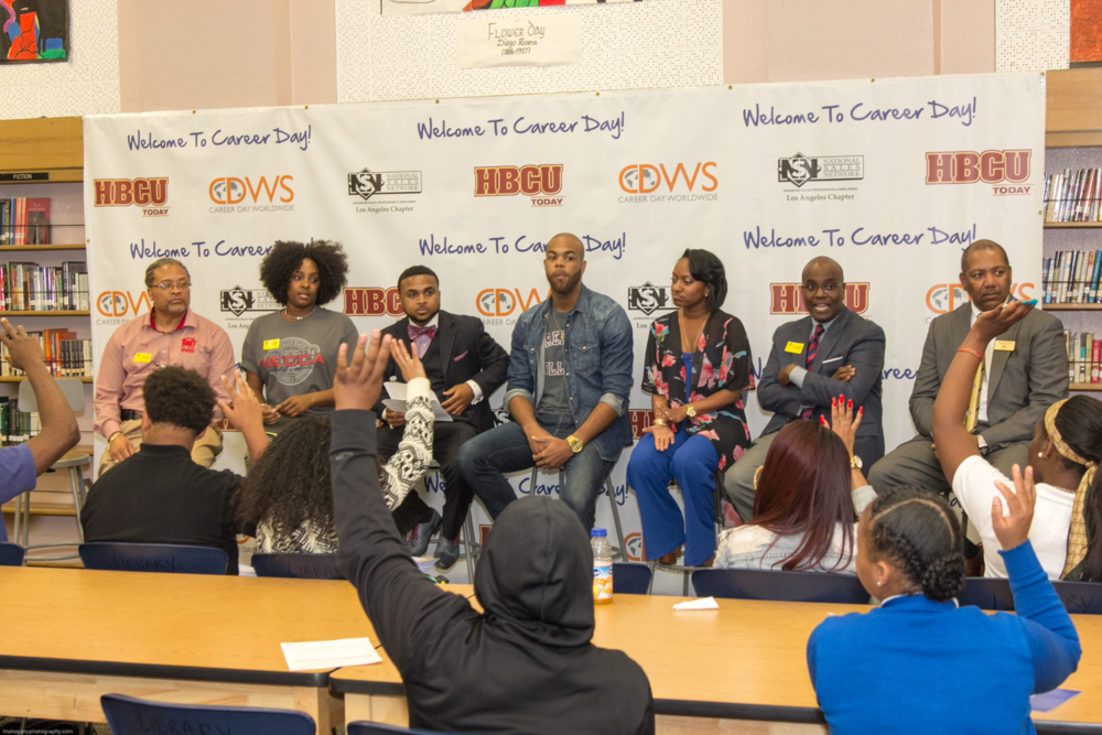 """HBCU alumni panel discussion for high school students"""