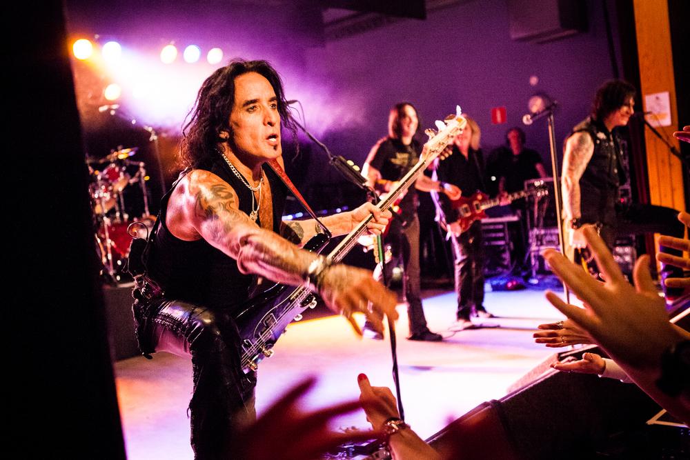 Marco Mendoza - Thin Lizzy