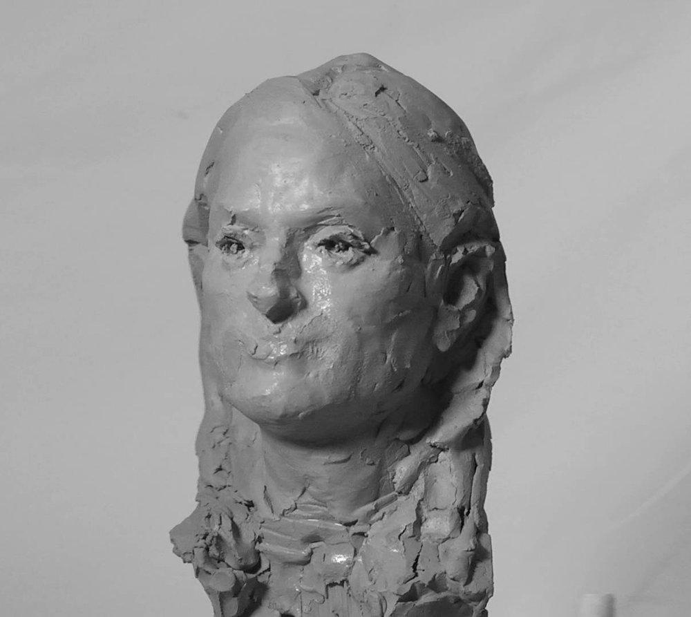 simon kogan -female clay sculpture