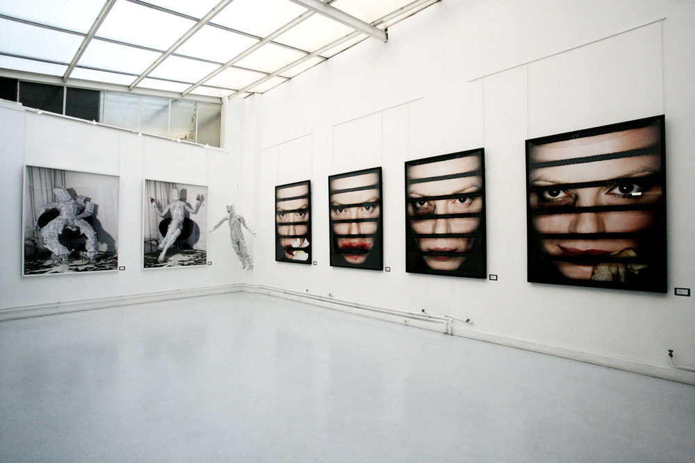 installation view, stageback, acte 2 galerie, paris France, 2006