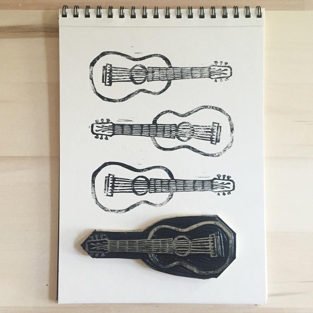 Corrie_Hogg_guitar.JPG