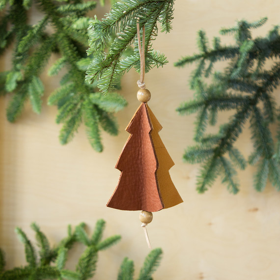 david_stark_design_leather_ornament_2_0.jpg