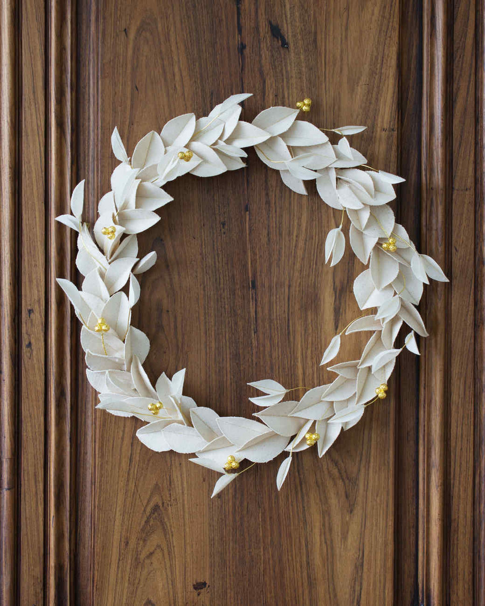 david-stark-canvas-wreath-final-1-1217_vert_0.jpg